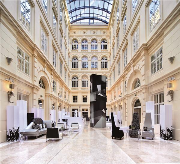 3. 结合城堡及现代艺术设计的巴塞罗布尔诺宫殿酒店(Barceló Brno Palace).jpg